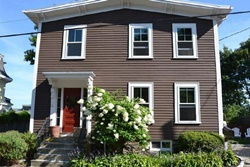 Beautifully Renovated Antique Home pet friendly vacation rental in Salem
